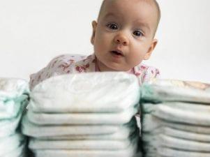 Как часто менять подгузник новорожденному днем и ночью