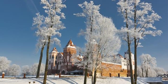 Мирский замок зимой