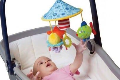 Мобиль на коляску малыша
