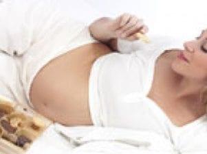 Как правильно есть шоколад беременной женщине