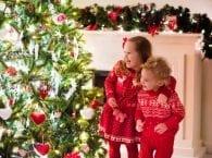 Как нарядить елку, если в доме маленький ребенок — советы для родителей
