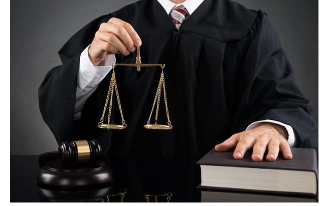 Судья перед разбирательством о взыскании алиментов