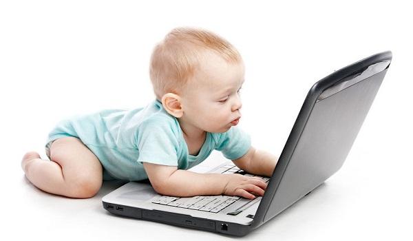 Сколько времени ребенок может проводить перед экраном