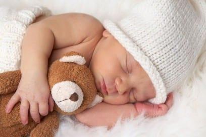Как ухаживать за новорожденным ребенком: ежедневный уход в роддоме и дома