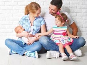 Выплаты на второго ребенка — список федеральных и региональных